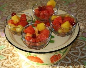Put salad in serving bowls and enjoy