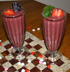 plenty of smoothie for two people to enjoy