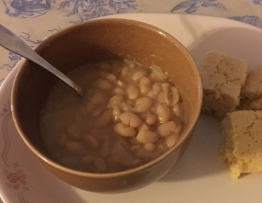Great Northern white beans - easy to cook.