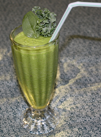 There was a time I wouldn't have tasted a geen smoothie, but it is so good and attractive too.