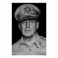 picture of Douglas MacArthur in his uniform